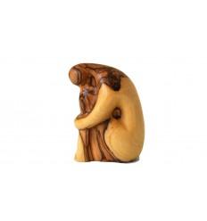 Femme en prière sculptée en bois d'olivier